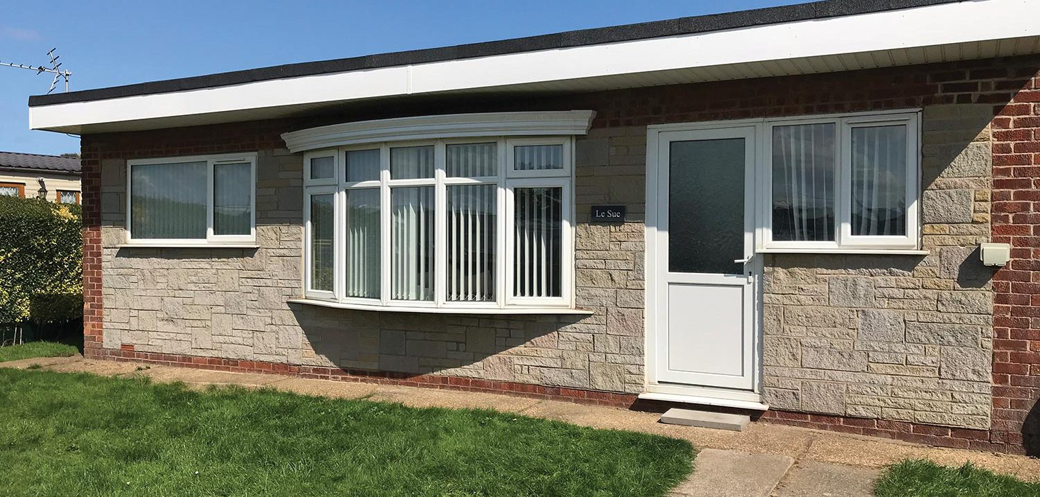 Merryfield-Sandfield-Le-Sue-Bungalow