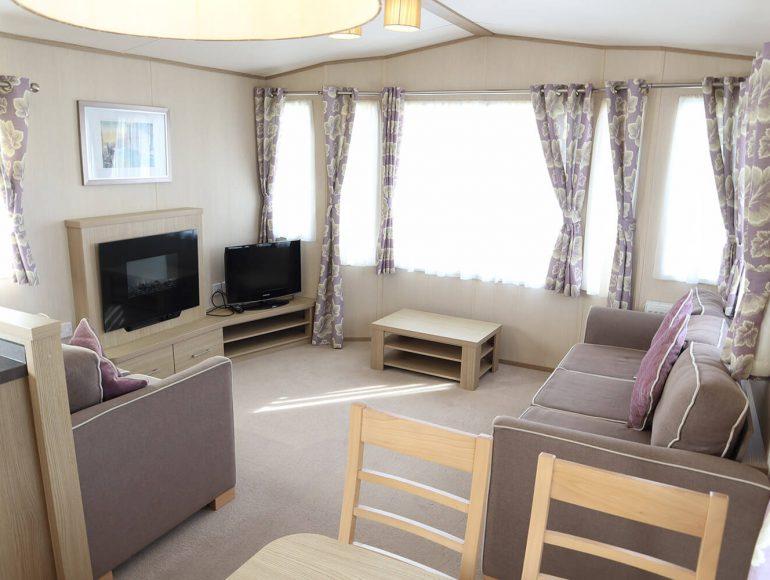 Luxury 6 Berth Caravan double twin lounge