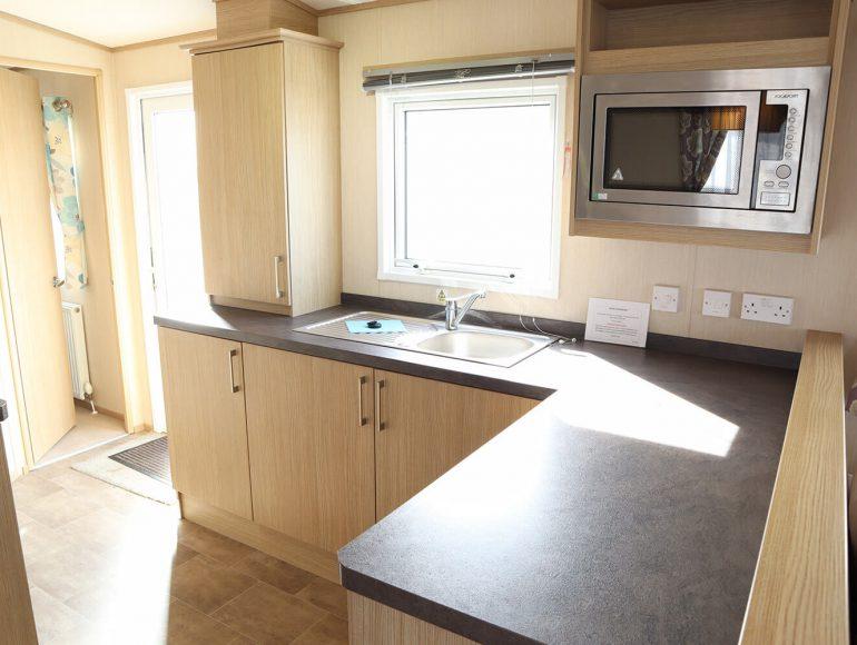 Luxury 6 Berth Caravan double twin kitchen