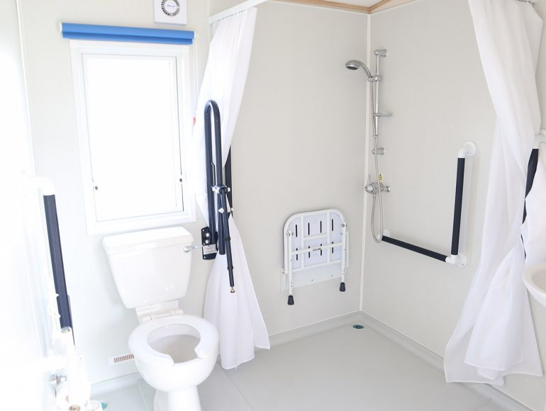 Luxury 6 Berth, Disabled Caravan bathroom