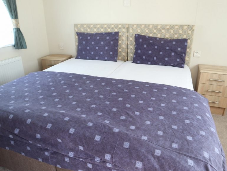 Luxury 6 Berth, Disabled Caravan bedroom