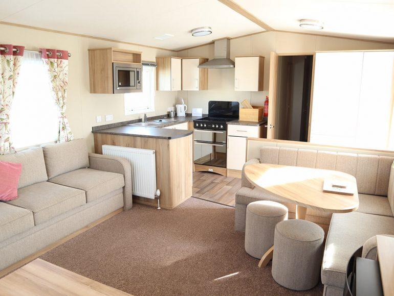Luxury 8 Berth, Pet Friendly Caravan lounge