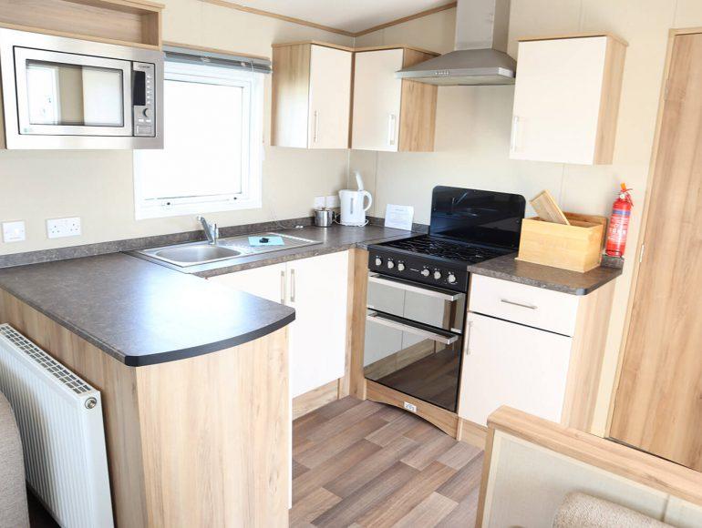 Luxury 8 Berth, Pet Friendly Caravan kitchen