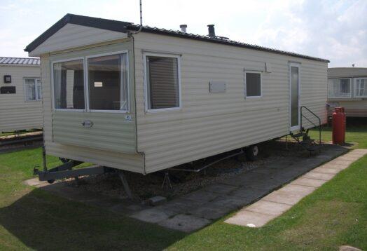Willerby Magnum 6 berth ideal starter caravan 30'x10′ + 2 heated bedrooms